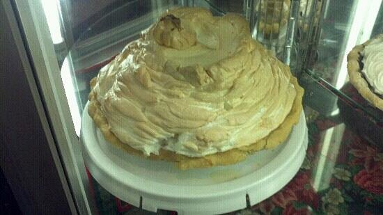 Norske Nook:                   Sky high coconut meringue pie