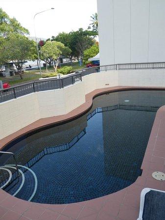 Cairns Aquarius: 1 of 2 pools
