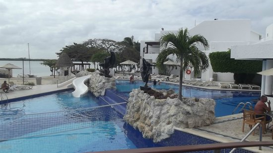 Sunset Marina Resort & Yacht Club:                   Piscina del Hotel