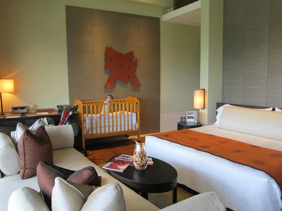 Capella Singapore:                   The bedroom area