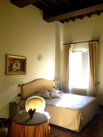 B&B Residenza della Signoria: The room itself- it was sooo cute!