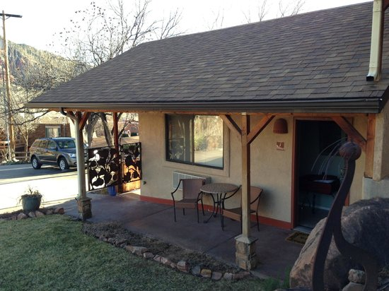 Red Rock Inn Bed and Breakfast Cottages:                   Our cabin for 2 nights