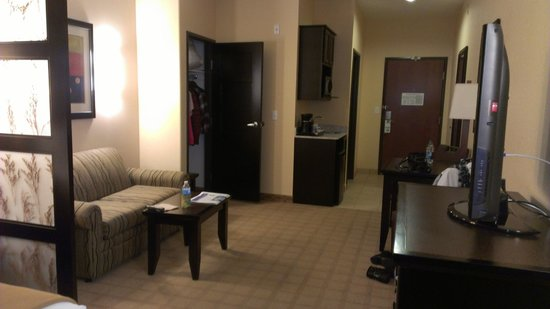 Holiday Inn Express Hotel & Suites Denver Northeast - Brighton:                   Sitting area with wet bar & microwave