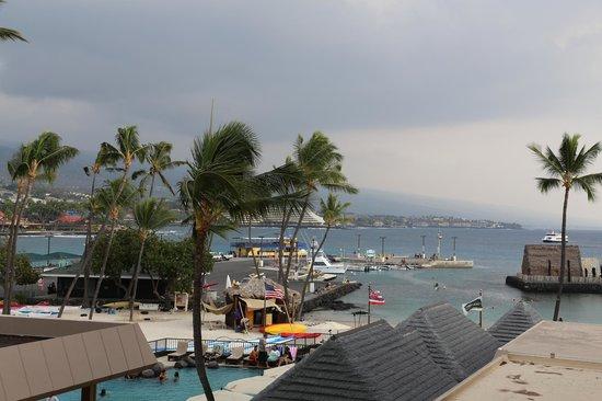 Courtyard by Marriott King Kamehameha's Kona Beach Hotel: Partial ocean view room 370