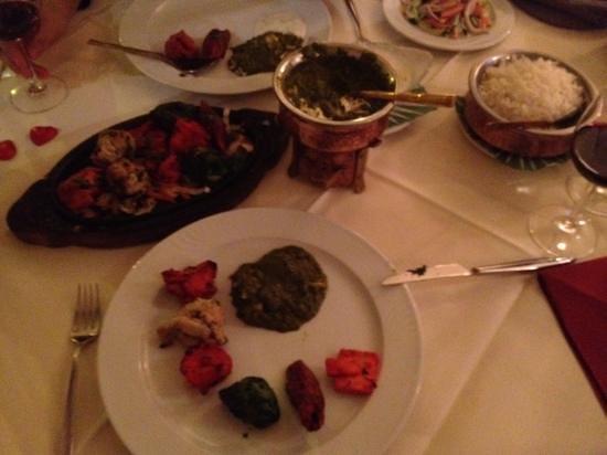 GourmIndia:                   mixed tandoori platter