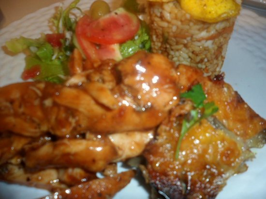 D'Almond Tree Restaurant: Roasted Achiote Chicken Breast with Eggplant and corn terrine