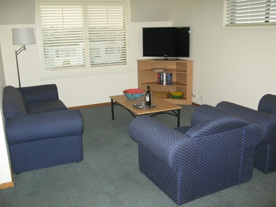 Barclay Motor Inn : Lounge Executive Apartment