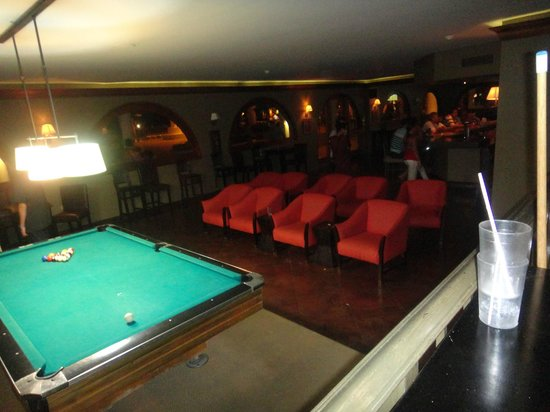 Sunscape Splash Montego Bay: The sportsbar/club... did not like this place at all