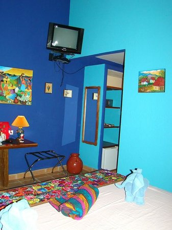 Hotel Bula Bula: TV in small bedroom