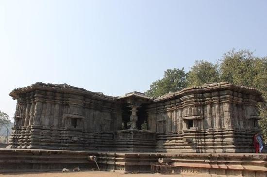 Thousand Pillar Temple:                   panoramic view