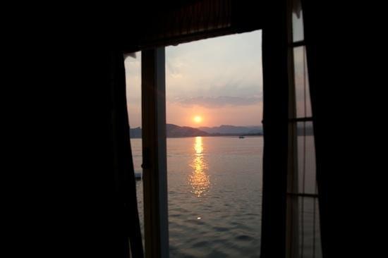 Taj Lake Palace Udaipur:                   room view on the sunset