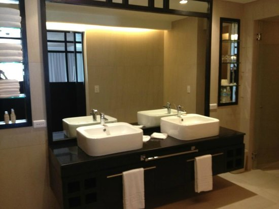 The District Boracay:                   Bathroom