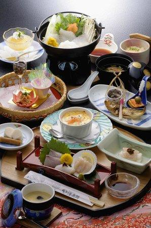 Kaisenkaku: 海扇閣料理