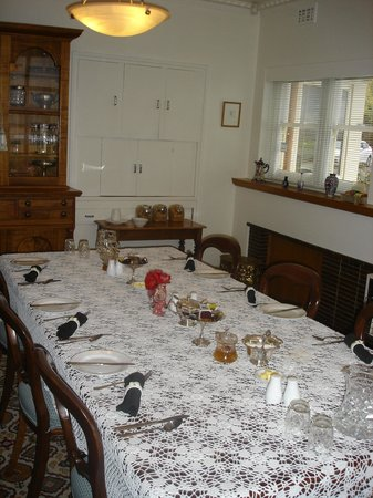Trevallyn House B & B:                   Dining Area