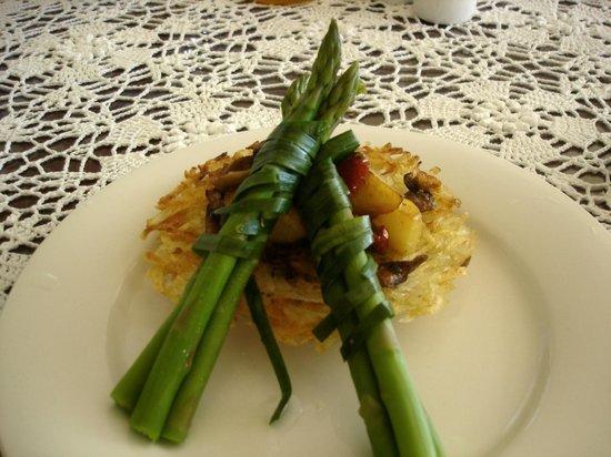 بريفالين هاوس:                   Vegetarian Breakfast                 