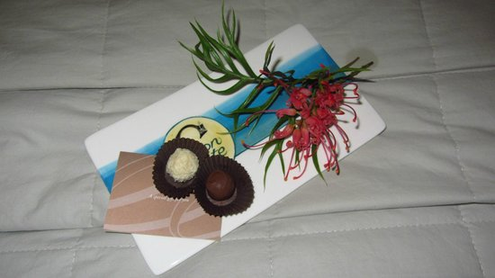 Moon Gate Villa:                   Turn down service Makana chocolates