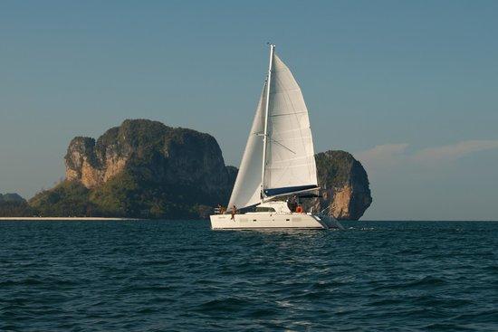 Raya Sailing Day Trips