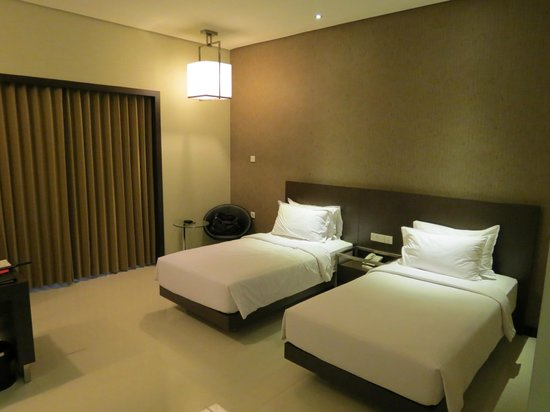 Savana Hotel & Convention: room