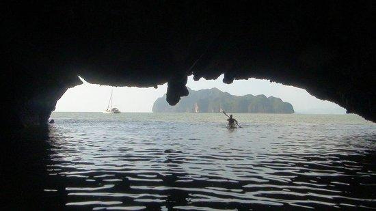 Langkawi Dolphin Cruise :                   Phang Na Bay