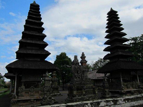 Taman Ayun Temple:                   the temple....