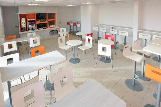 Premiere Classe Bourg En Bresse - Montagnat:                                     salle petit déjeuner