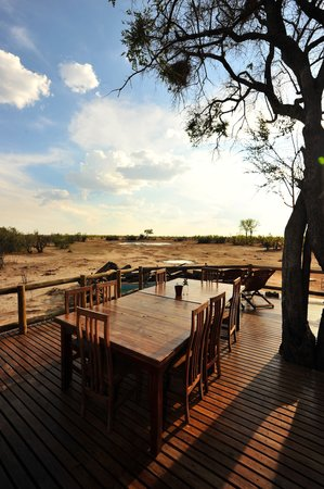 Nehimba Lodge: deck