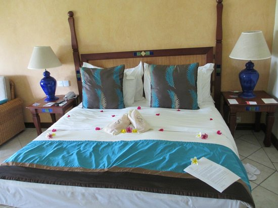 Sands Suites Resort & Spa:                   Bedroom with decoration for honeymoon