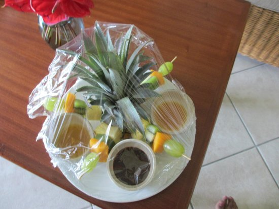 Sands Suites Resort & Spa:                   Fruit platter
