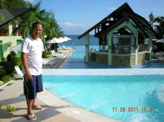Acuatico Beach Resort & Hotel:                   pose at the Infinity