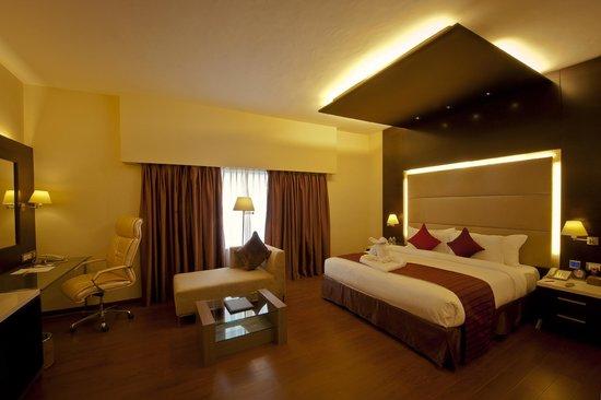 Ramada Chennai Egmore: Kingsize bedroom