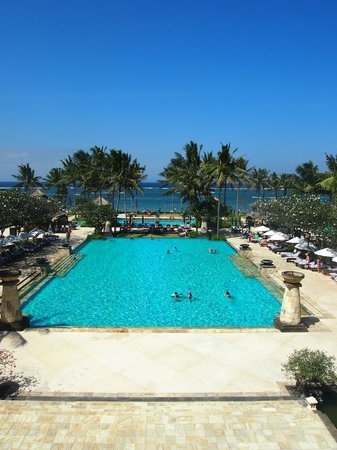 Conrad Bali:                   the swimming pool