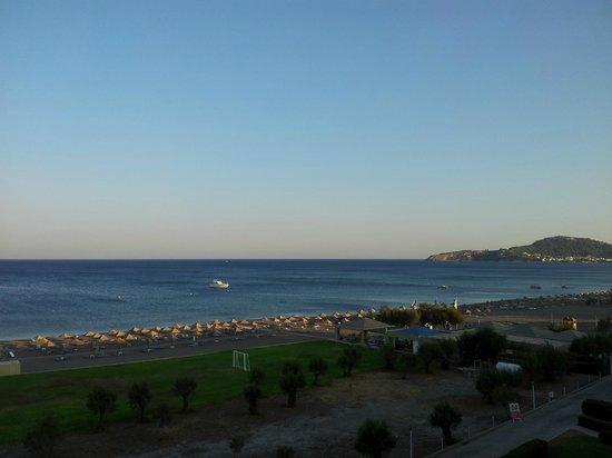 Blue Sea Beach Resort:                                     Dalla camera