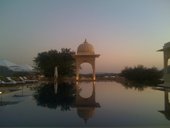 The Oberoi Udaivilas: morning swim