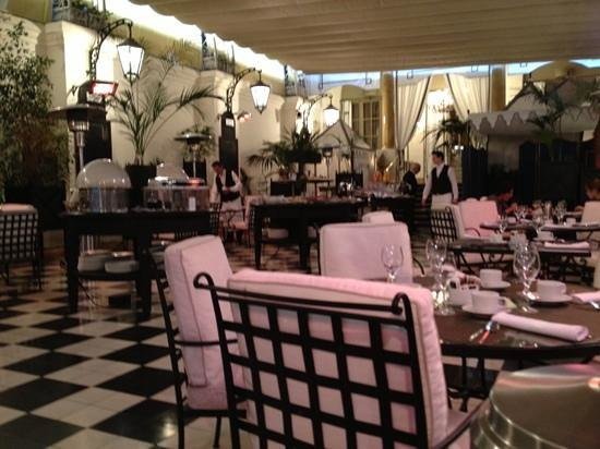 El Palace Hotel:                   breakfast ...
