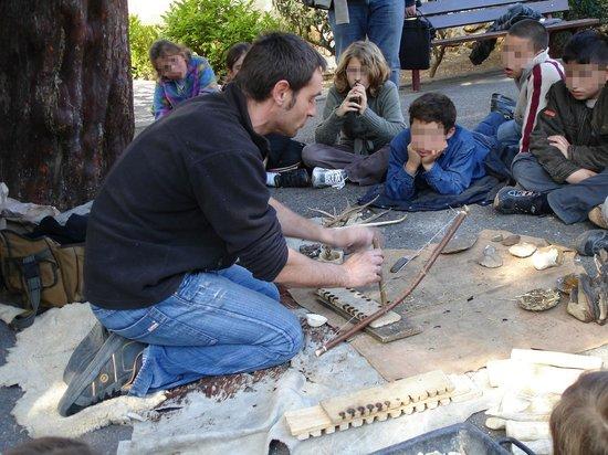 Museum of Prehistory Tautavel: Faire du feu préhistorique Tautavel