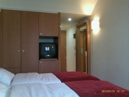 Hermes Hotel:                   Room