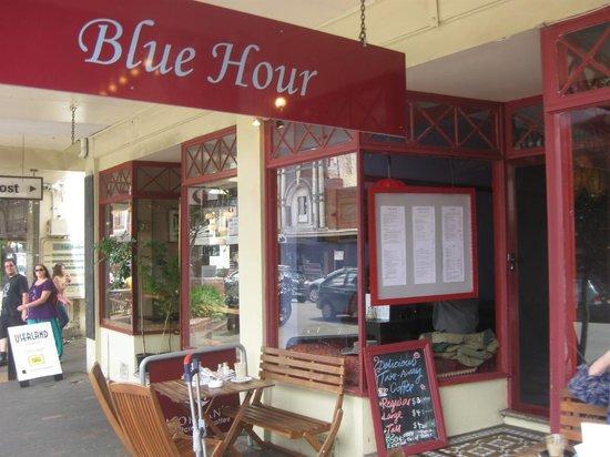 Blue Hour Cafe Foto