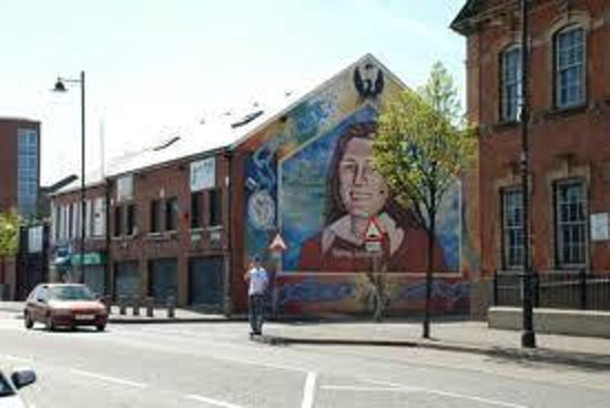 Belfast mural tours northern ireland top tips before for Belfast mural tours
