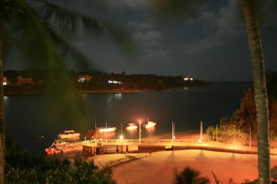 Mnarani Hotel:                   the creek by night