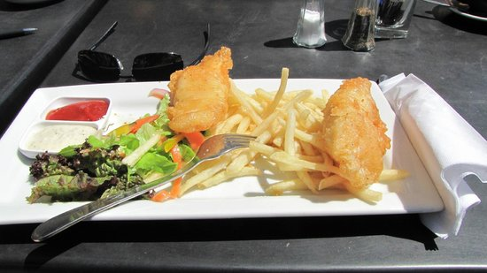 Café Cortado :                   Fish and chips