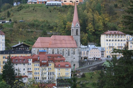 Mondi-Holiday Bellevue:                   Bad Gastein, Kirche