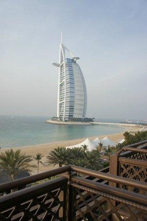 Jumeirah Mina A'Salam:                   vue de la chambre sur la plage et le Burj el Arab