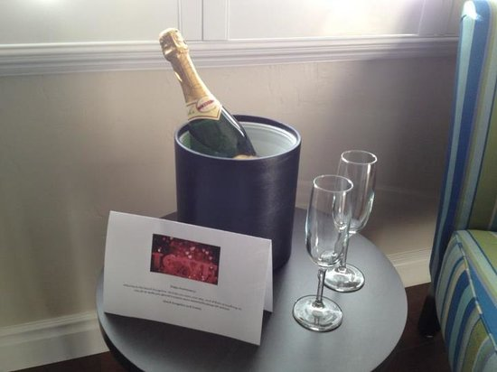 Beach Bungalow Inn and Suites:                   Beach Bungalow Inn & Suites had Champagne waiting for us on our arrival for ou