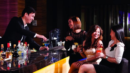 Widus Hotel and Casino: Prism Lounge Service