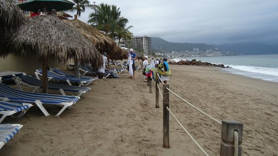 Canto Del Sol Plaza Vallarta:                   Beach area for resort is ample, access to extensive beach for walking, lovely