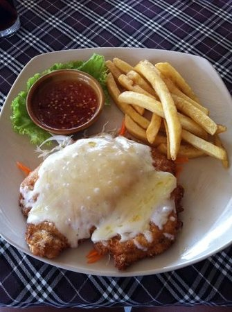 Chaweng Chalet Resort:                   chicken Parmesan was delicious too