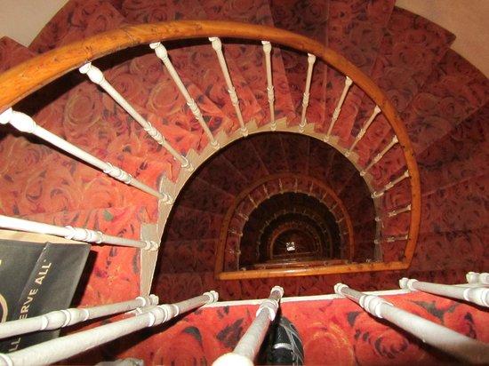 Hotel La Gioconda:                   3 piani, senza ascensore