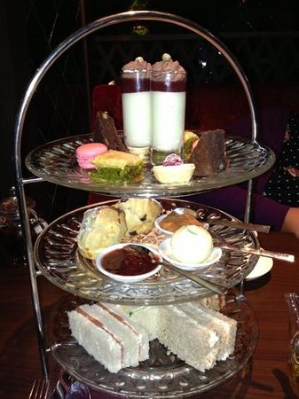 Quince:                   afternoon tea