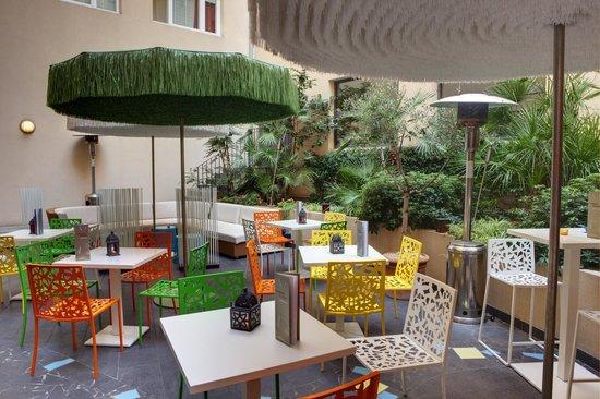 Novotel Suites Cannes Centre: Terrasse