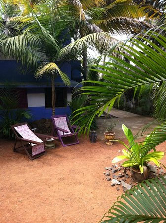 Good Karma Beach Resort: Garden